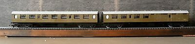 2  Triang/Hornby LNER coaches.