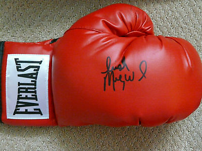 "Micky Ward Autographed Everlast Boxing Glove ""The Fighter"""
