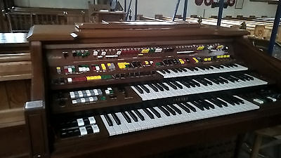 Yamaha Electrone D85a electric organ