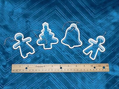 4 Christmas Cookie Cutters - Excellent Condition (612e)