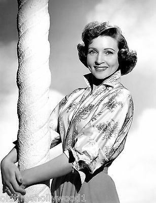 Betty White 8X10 Photo Picture Portrait
