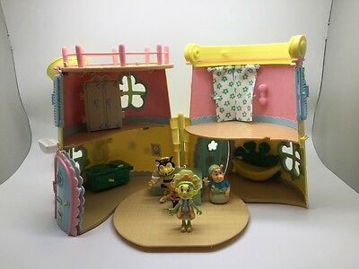 FIFI & THE FLOWERTOTS FORGET ME NOT WATERING CAN HOUSE with extras