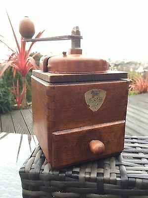 CHARMING VINTAGE c1940s FRENCH PEUGEOT COFFEE GRINDER. Free Delivery!!!!!!!!!!!!
