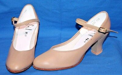 Women's Capezio Tan Student Footlight Character Leather Sole Shoe Size 5
