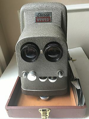 Vtg Stereo Projector Model 116  Vivid 3D Slide TDC Three Dimensional With Case