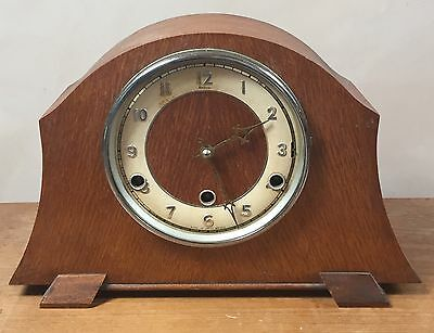 "British Perivale Oak Case  Westminster Chimes Mantle Clock 8,5""H 13""W 4""D GWO"