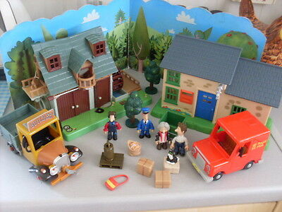 Postman Pat Sds Ted Glen & Watermill With Working Light& Post Office Set