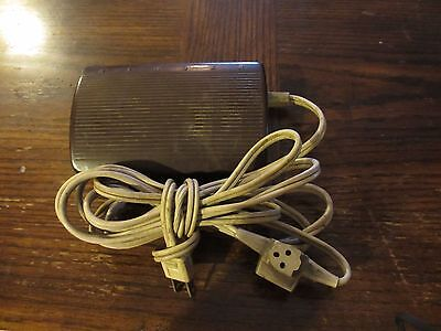SINGER Sewing Machine Foot Control Pedal Speed Motor Controller 618776-010 3 Pin