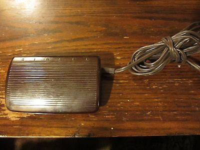 SINGER Sewing Machine Foot Control Pedal Speed Motor Controller 103435-001 3 Pin