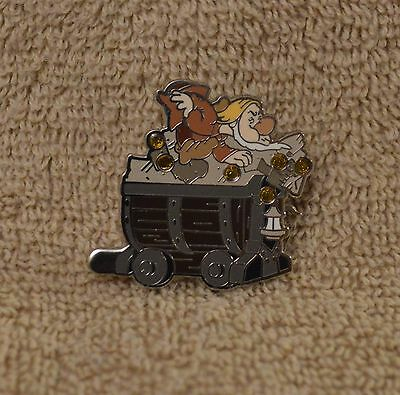 Pin 99935 Seven Dwarfs Mine Car - Mystery Collection - Sneezy ONLY