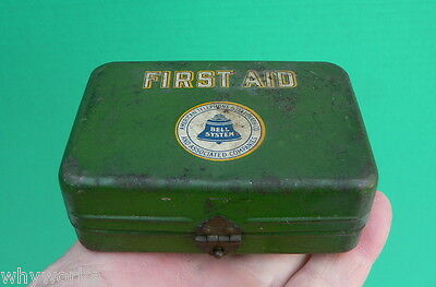 Vtg Old  BELL SYSTEMS American Telephone & Telegraph Co FIRST AID KIT Adv Tin