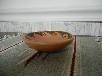 """Vintage Hopi pottery dish, 1940's, 4 3/8"""" diameter, 1"""" tall, excellent condition"""
