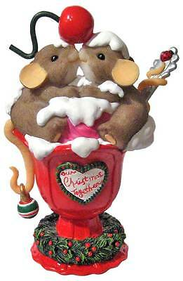 CHARMING TAILS Retired ICE CREAM SUNDAE Cherry on Top Christmas Mouse Mice