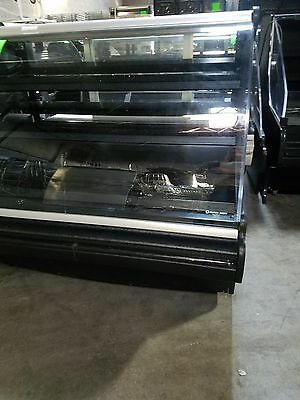 Structural Concepts Oasis 4'Curved Glass Refrigerated Bakery /DeliCase 120V