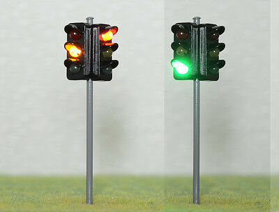 New 1 x 2 Way Traffic Signal R/Y/G LED Street Light W/12V Resistor O Scale 9cm
