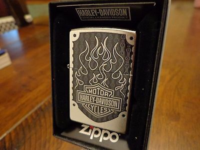 Harley Davidson Logo And Flames Street Chrome Zippo Lighter Mint In Box