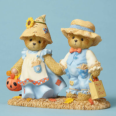Cherished Teddies 'Leaves Crunch While Treats We Munch' Scarecrows 4053446