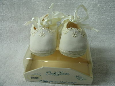 Vintage Baby Crib  Shoes  by Mrs Day's  Ideal Shoes---Box--Original