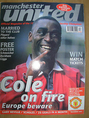 MANCHESTER UNITED OFFICIAL MAGAZINE VOL 5 No 12 DECEMBER 1997