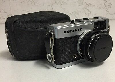 Vintage Olympus Trip 35 Point & Shoot 35mm Film Camera w/ 1:28 40mm Lens Japan