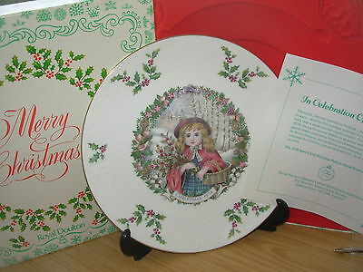 ROYAL DOULTON CHRISTMAS PLATE 1978 2nd in SERIES BOXED CERTIFICATE HOLLY GATHER