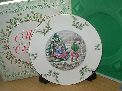 ROYAL DOULTON CHRISTMAS PLATE 1980 4th in SERIES BOXED CERTIF SANTA DELIVERS  10
