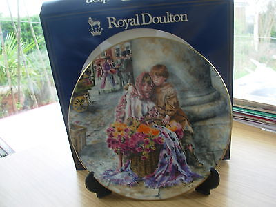 Royal Doulton Int Collectors Club Plate The Flower Sellers Children Boxed 49