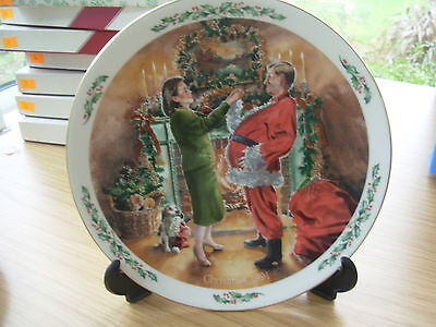 "ROYAL DOULTON PLATE 1991 FAMILY CHRISTMAS "" DAD PLAYS SANTA "" 3rd IN SERIES OF 4"