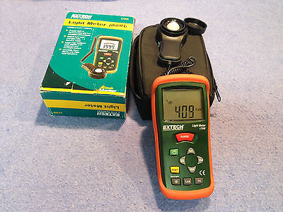 Extech LT300 Light Meter with Case