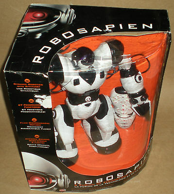 Robosapien Robot Fully Articulated Motion 8081 With Remote Control 771171180814