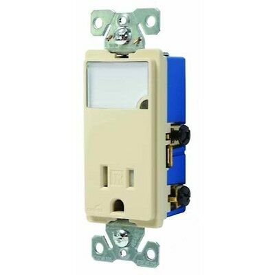 Cooper Wiring Devices TR7735V-BOX 3-Wire Receptacle Combo Nightlight with Tamper