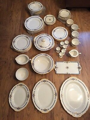 "W H GRINDLEY & CO ""IVORY"" WINTHROP LARGE DINNER SERVICE. 56 Pieces Art Deco"