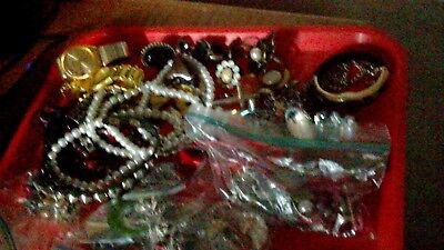 Vintage Costume Jewelry LOT Larger Beaded Necklaces Rings Belts Shell USA Nice !