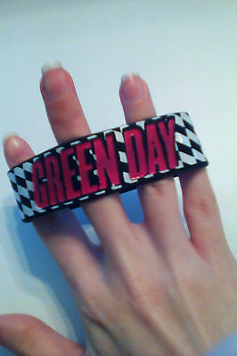 Green day rubber bracelet - checkers