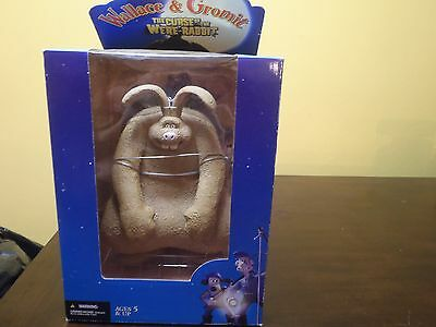 2005 McFARLANE WALLACE & GROMIT  WERE-RABBIT DELUXE BOXED SET. NEW