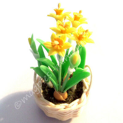 Dolls House 12th scale Daffodils in Basket