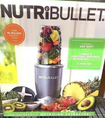 Nutribullet 600 Watts blender 5 piece set (Clearance price) limited time