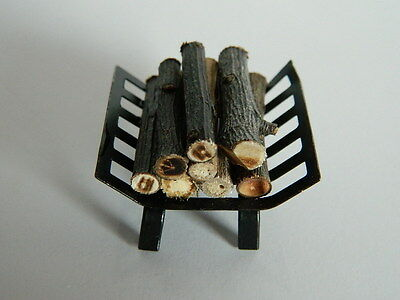 (Hp26) Dolls House Firewood/logs In Metal Holder