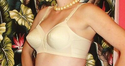 Vintage Ivory Exquisite Form Bullet Bra 44 DD pin up clothing girl 1950's retro