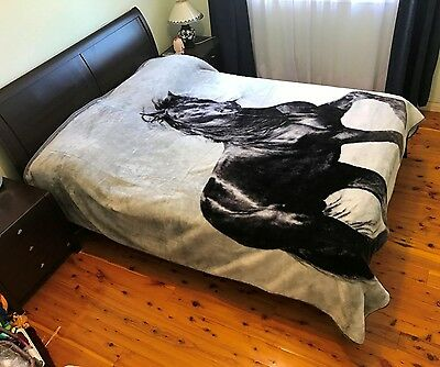 Thick Winter Queen Size Mink Blanket Quilt 200cm x 240cm - Horse