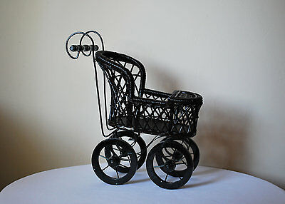 Vintage THOMAS PACCONI Victorian Style Wood Wicker Doll Stroller/ Buggy/CARRIAGE