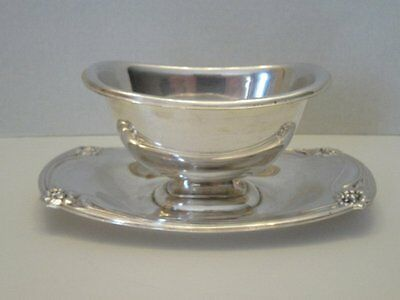 Vtg 1847 Rogers Bros Is Daffodil Silver Plate Gravy Boat