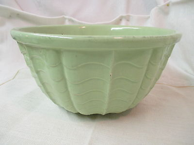 Vintage RRP Robinson Ransbottom Pottery celery green Mixing Bowl Wave pattern