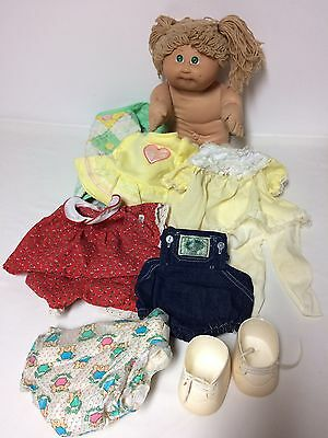 Vtg Cabbage Patch Kid Lot Blonde Doll Clothing Diaper Carry Bag Shoes 1984