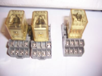 Idec  Ice Cube Relays 120 Volt Coil # Ry4S-U  Lot Of [3]