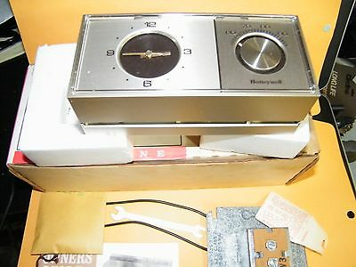 Vintage Honeywell Chronotherm T882A 1047 Electric Clock Thermostat   NEW