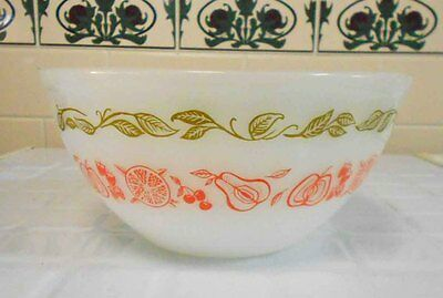 Vintage Pyrex, Milk Glass Agee 'Fruit Salad' 8 inch mixing bowl, excellent cond.