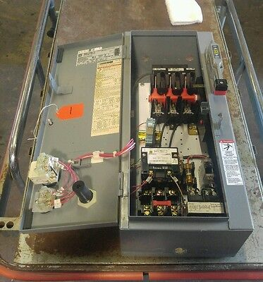 Square D 30A Size 1 Combination Motor Starter Type 1