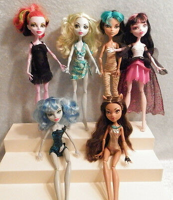 Med Large Lot of Monster High Dolls 6 Girls With Clothes 6 Dolls