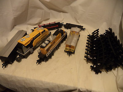 Vintage Toy State Cat Caterpillar Construction Railroad Train Set of 6 cars 14 t